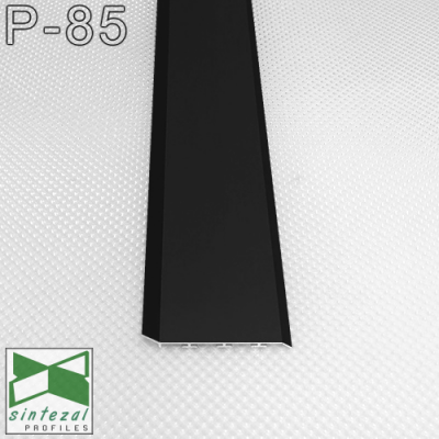 Алюминиевый плинтус для пола Sintezal P-85 80х15х2500мм., Черный
